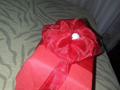* Easy Handmade Gift Bows - Crafts for Valentines Day - Tutorial .