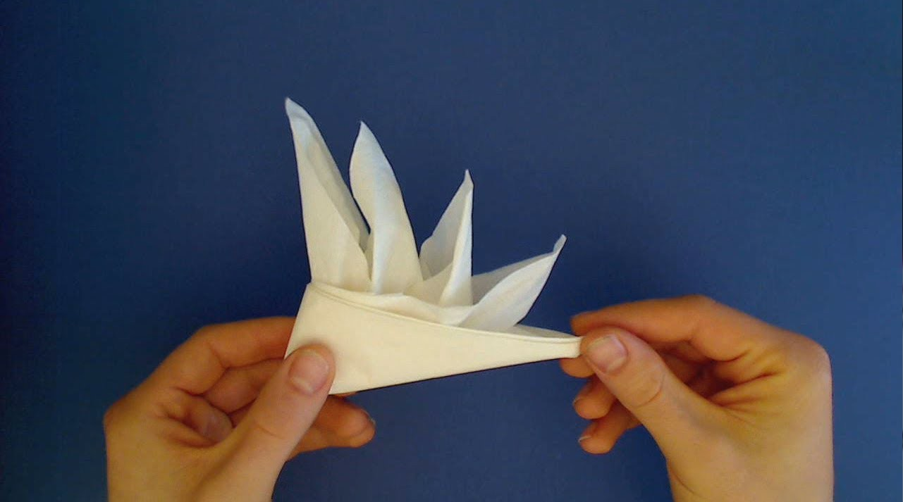 Napkin Fold: Bird of Paradise