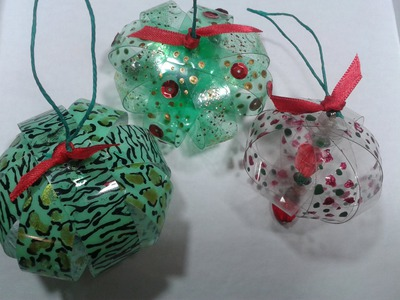 Reciclado : Con botella plasticas realizamos adornos navideños. Recycled.Christmas ornaments.