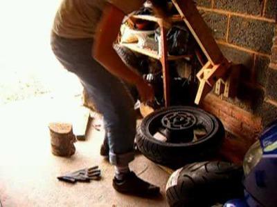 DIY Tyre bead breaker
