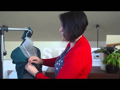 The easy way to take up knit tops.wmv