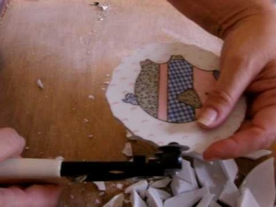 Mosaic Tile Tutorial How to cut china tile center focals from a dish