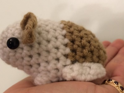 Tutorial on How to Crochet an Amigurumi Baby Guinea Pig