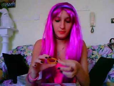 La signora in fuxia e le sue creazioni nuove: fimo-das-hama beads