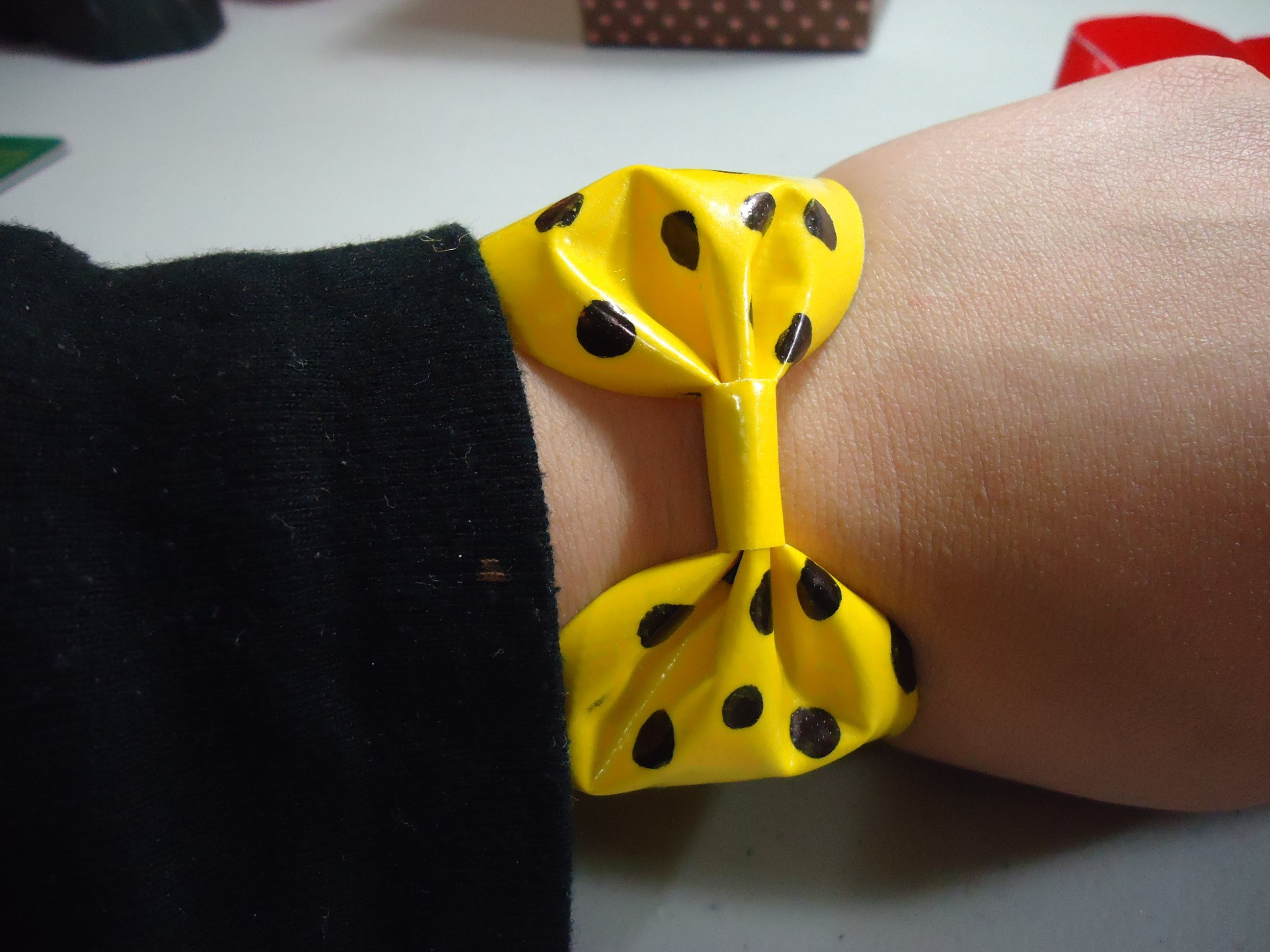 Mini Fashion DIY - How to make a Duct tape bow bracelet - EP