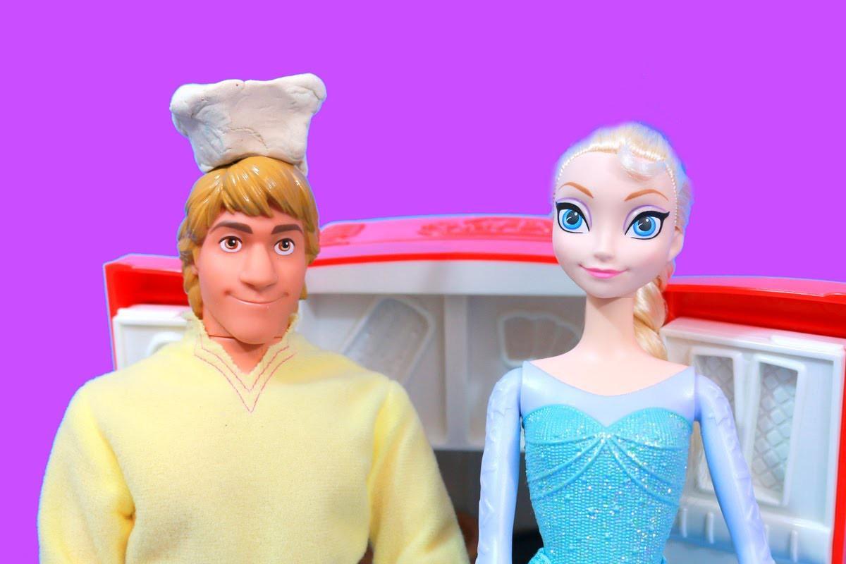Disney Frozen Elsa has Kristoff make party food with PLAY DOH FRIDGE Princess PARTY Anna