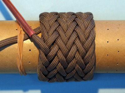 How to  tie a Paracord Gaucho Knot 7L6B(2passes & 3Passes)