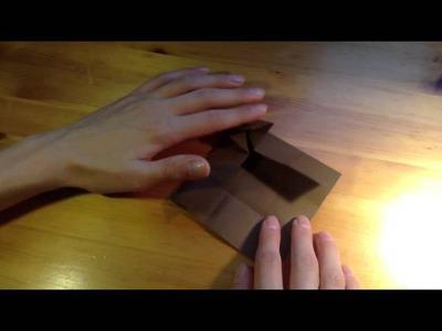 Origami: Puppentisch aus Papier basteln