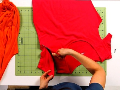How to Cut a T-Shirt to Make a Tote Bag | No-Sew Crafts