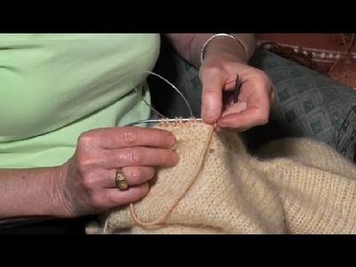 Knitting a Ribbed Neckline : Knitting