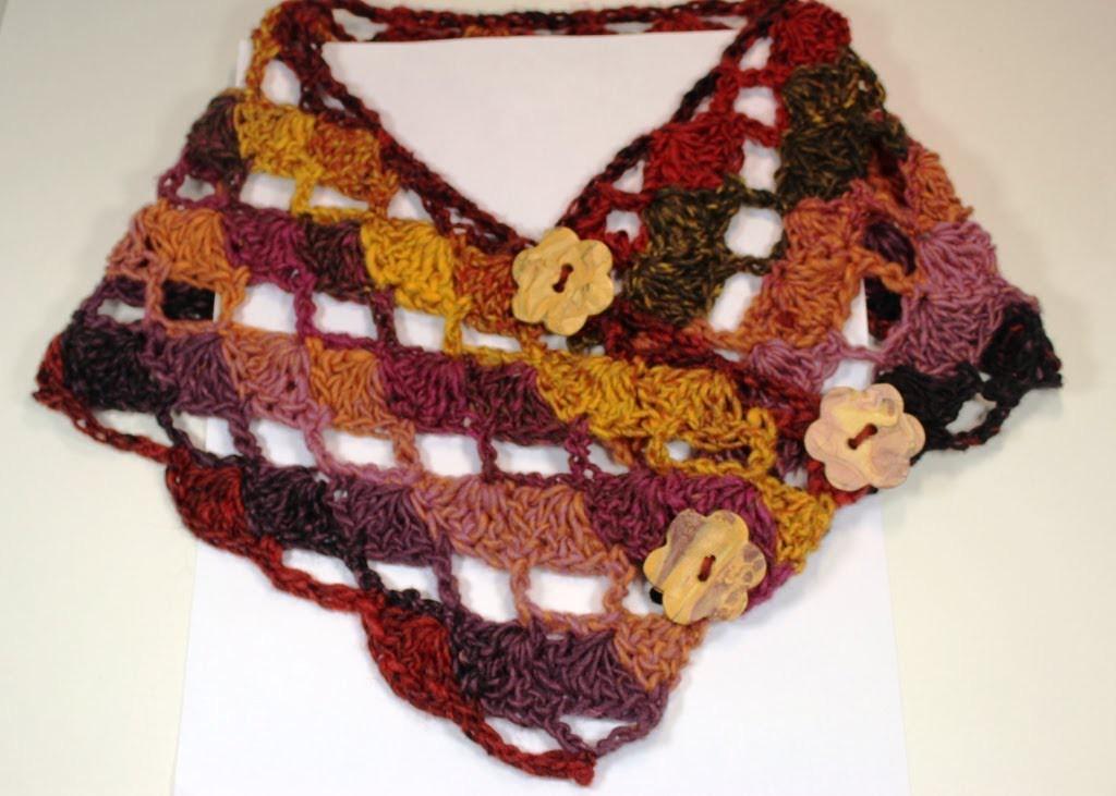 #Crochet diagonal shells cowl (Subtitulos en Espanol)