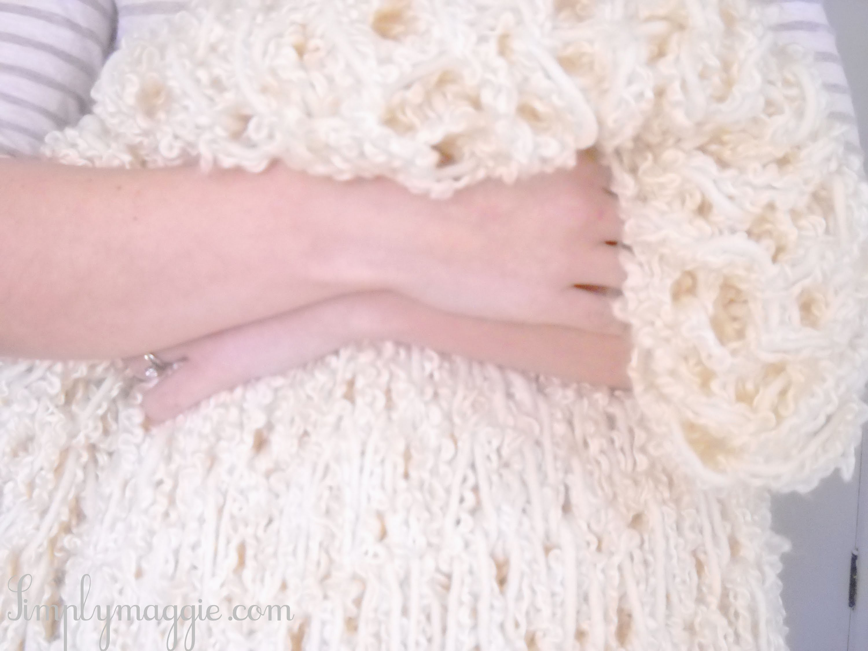 How to Arm Knit a Blanket in One Hour - The Original Tutorial - With Simply Maggie