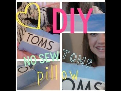 DIY: No Sew Pillow {TOMS}