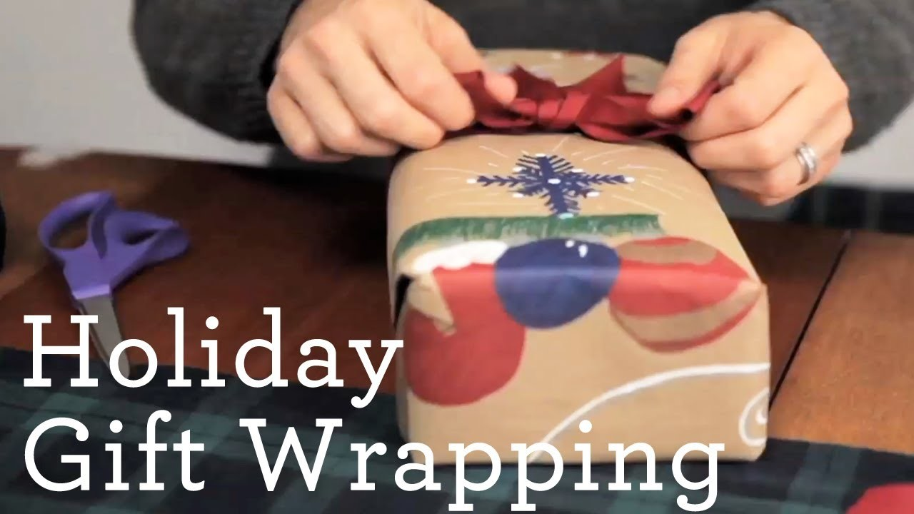How to Gift Wrap a Present for the Holidays