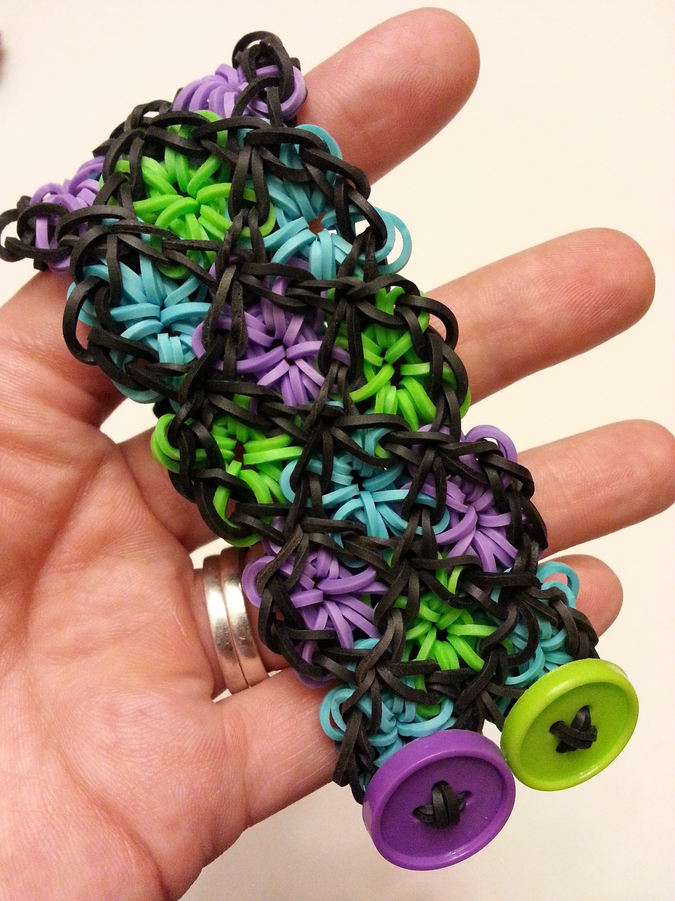 ONELOOM Stained Glass Bracelet Tutorial by feelinspiffy (Rainbow Loom)