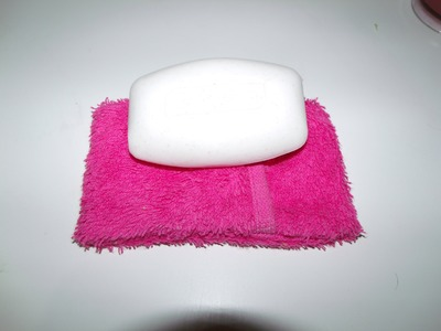Craft Day #12: How to make a shower soap pouch