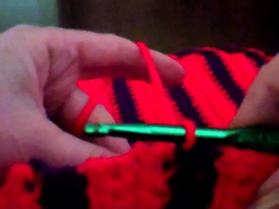 Crochet a Finish to the Border of the Single Crochet Striped Purse