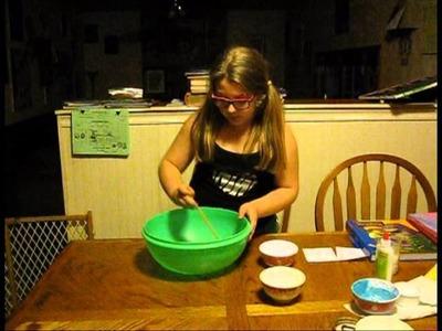 DIY How to Make Glitter Goop Bizz Homeschooler Chemistry Polyvinyl acetate & Borax