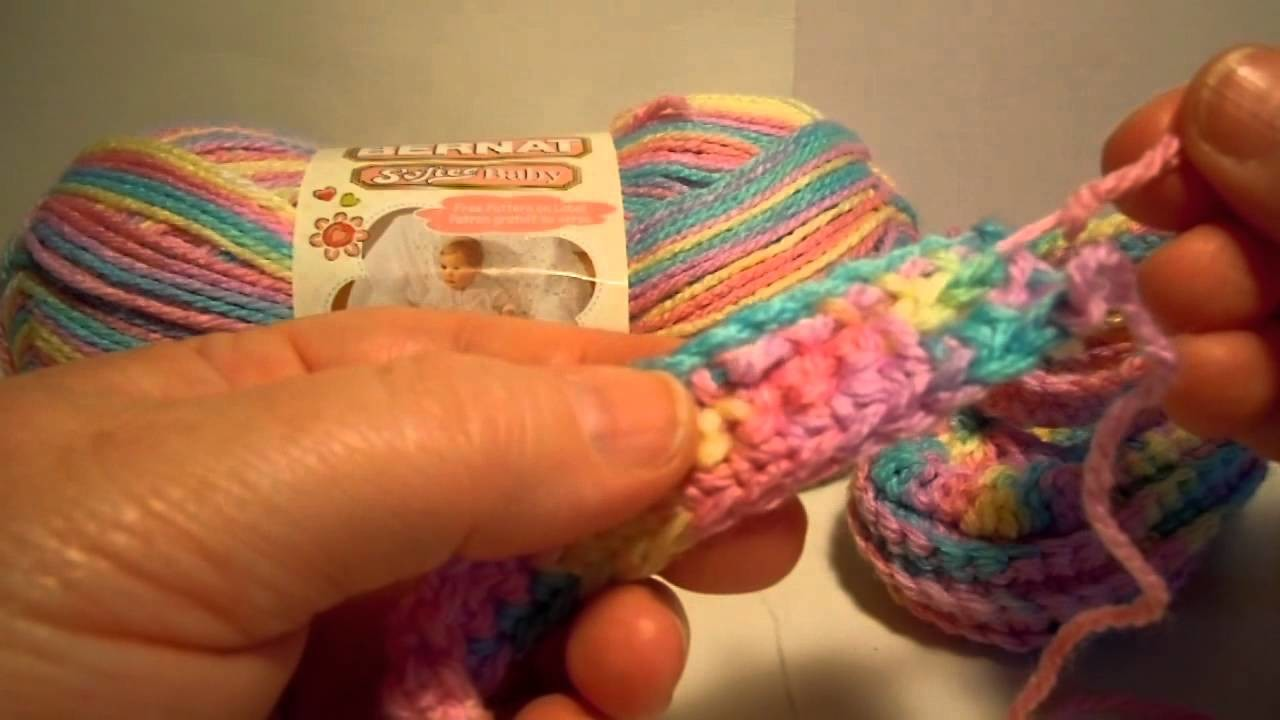 Bernat Crochet Baby Booties - Weaving in Ends on Strap