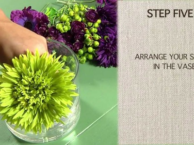 How to Use Acrylic Water to Make a Floral Centerpiece