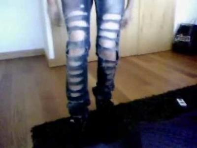 DIY: Cut up jeans
