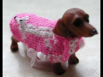 Little dachshunds with pretty clothes part 1 - Annelies de Kort
