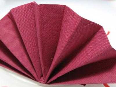 Table Decoration: Standing Fan Napkin Fold Tutorial