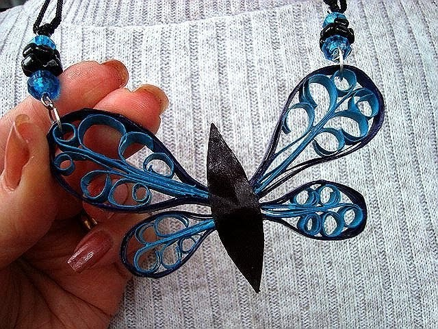 QUILLED BUTTERFLY PENDANT, how to diy, cardmaking, jewelrymaking, framed art, necklace