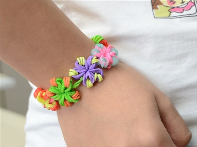 Super Easy DIY Rubber Band Jewelry - Making Candy Color Flower Loom Bracelets