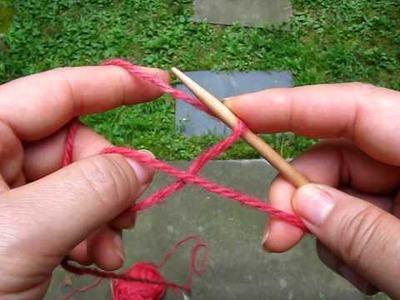 2009 0819 lighter circular cast-on two similar ways (knitting)