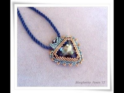 DIY tutorial: How to bezel swarovski triangle cabochon with delica beads and seed beads