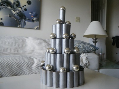 DIY Contemporary, Modern Christmas Decoration Idea