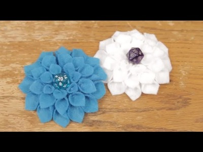 D20 Flower Hairclips! SWORDS & STITCHES [DIY]