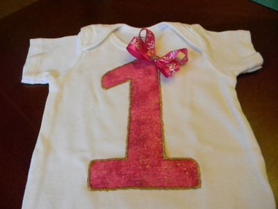DIY: EASY BIRTHDAY ONESIE