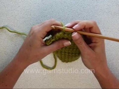 DROPS Crochet Tutorial: How to crochet a sock heel