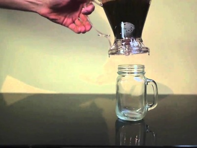 Making coffee with the Clever Coffee Dripper