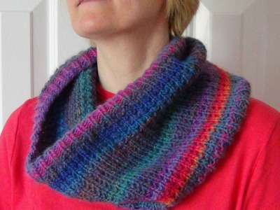 KNITTED COWL.SCARF