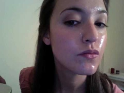 Get Rid of Dry Skin With a DIY Yogurt & Honey Facial Mask