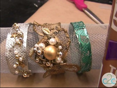 How To Make A Window Screen Bracelet Using Aleene's Tacky Glue
