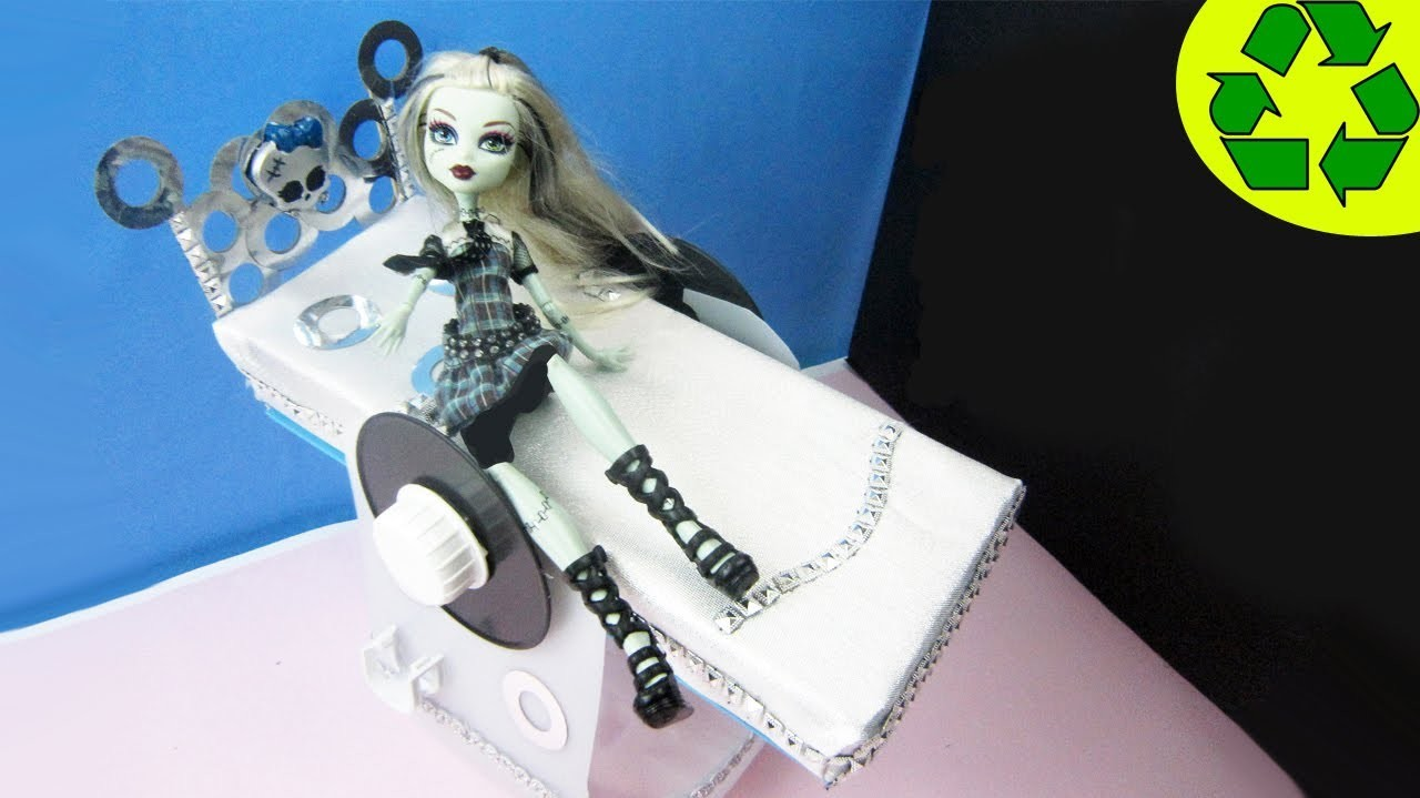 Make a doll bed for Monster High Frankie - Doll Crafts