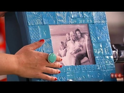 DIY Crafting - Memory Boxes with Tori Spelling | Craft Wars