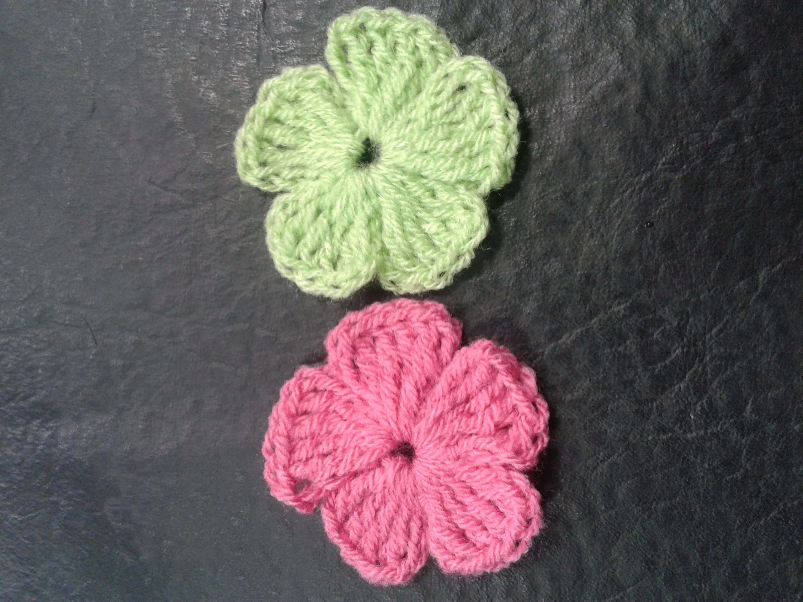 Como tejer flores de 5 petalos a crochet muy facil!.How to make flowers of 5 petals woven easy!
