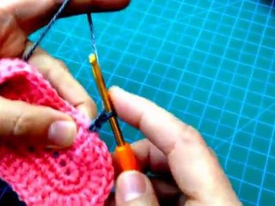 طريقة عمل حذاء كورشية لطفل crochet baby shoes