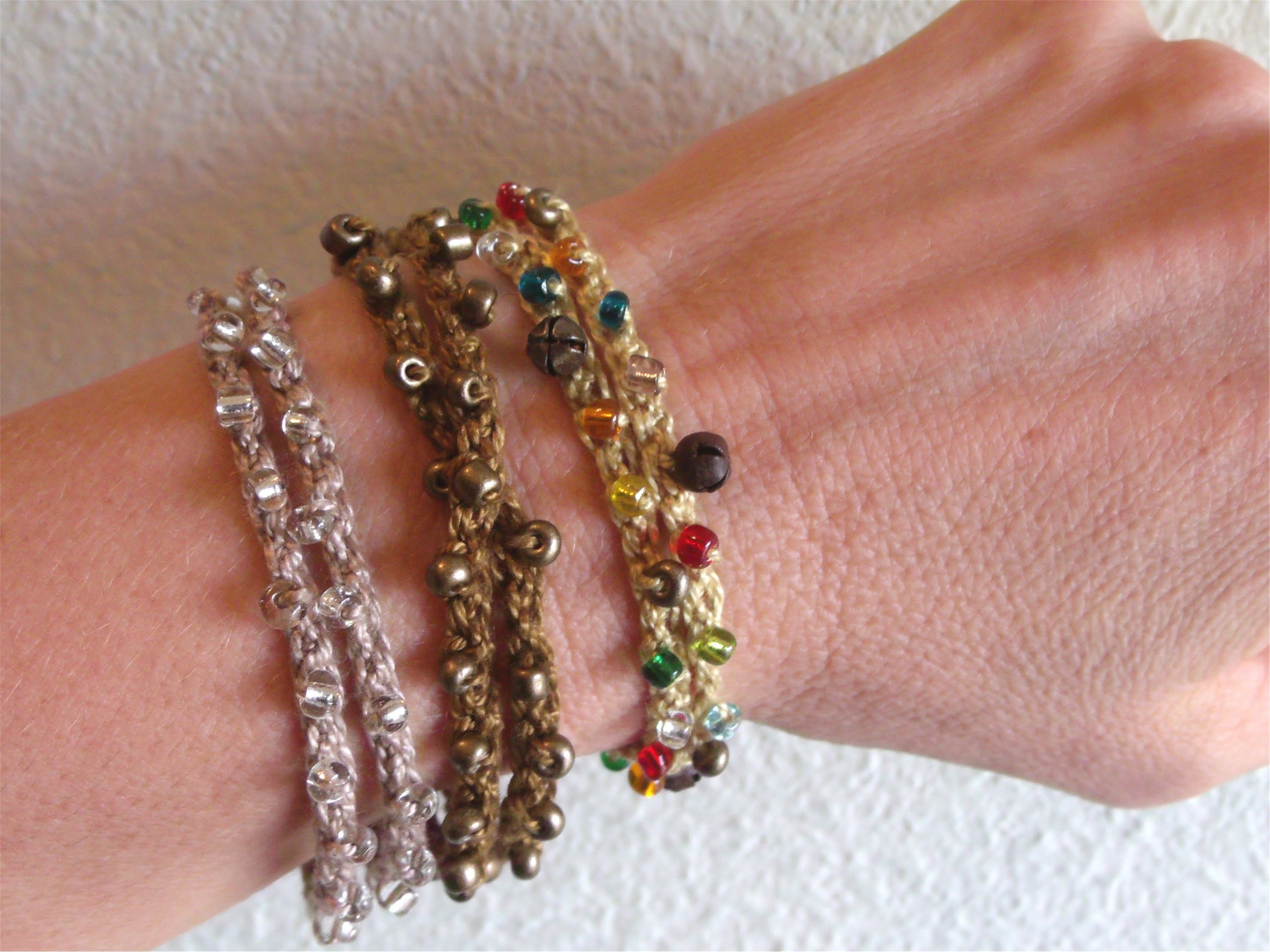 How to crochet a beaded bracelet or wrist band