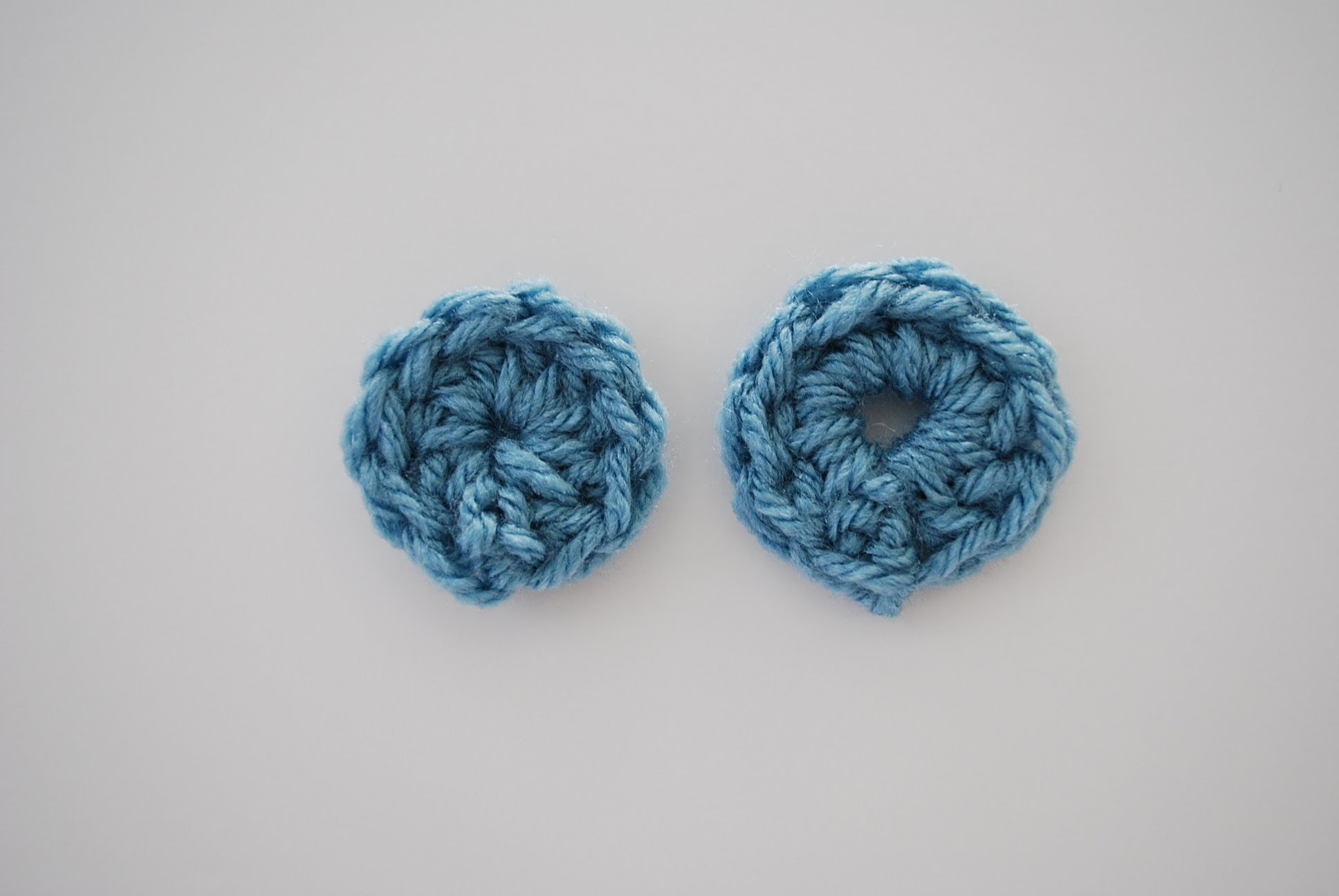 How to Crochet in the Round: Starting Methods: Magic Ring, Chain Method