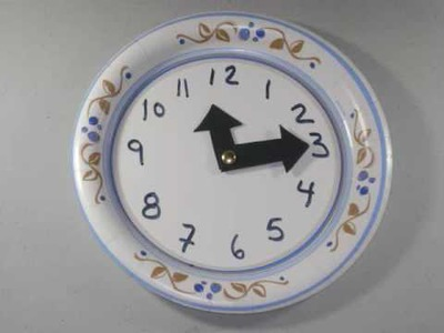 How to make an easy paper plate clock for kids - EP