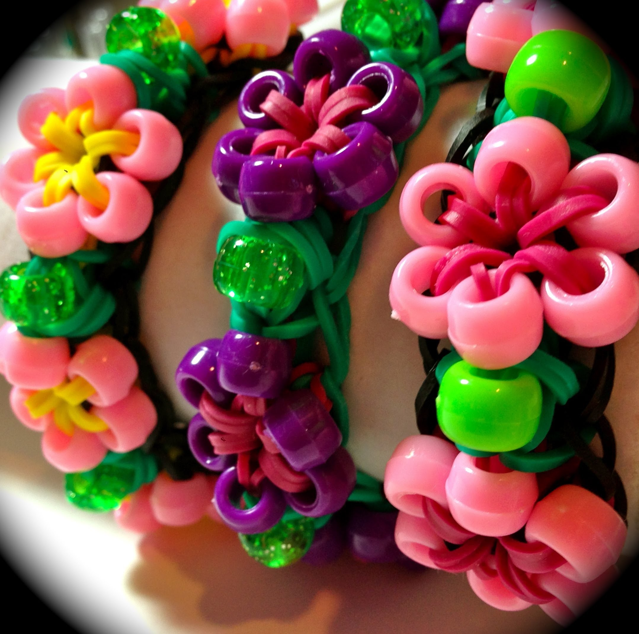 Rainbow Loom Beaded Starburst Flower Bracelet