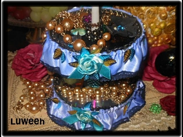 """Creative """"Jewelry Stand"""" from Trash Materials"""