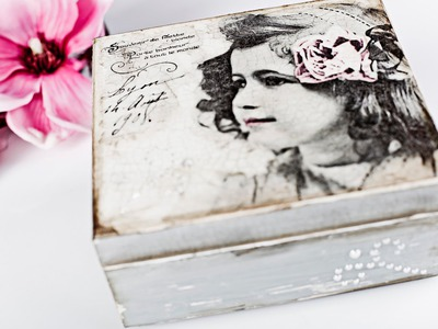 Decoupage tutorial - box with pearls