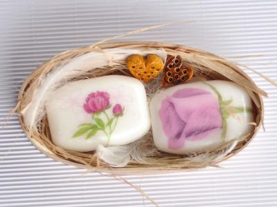 Decoupage tutorial - flower soap